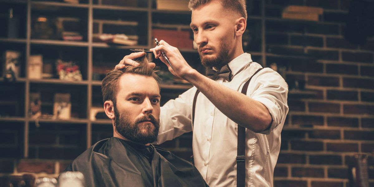 Cabelos curtos para homens: dicas de penteados para você se inspirar