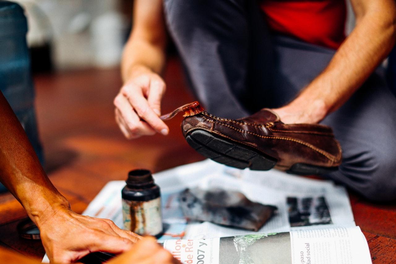 Como Limpar Bota e Sapato Masculino? 3 Dicas para Fazer Seus Calçados Durarem Mais!
