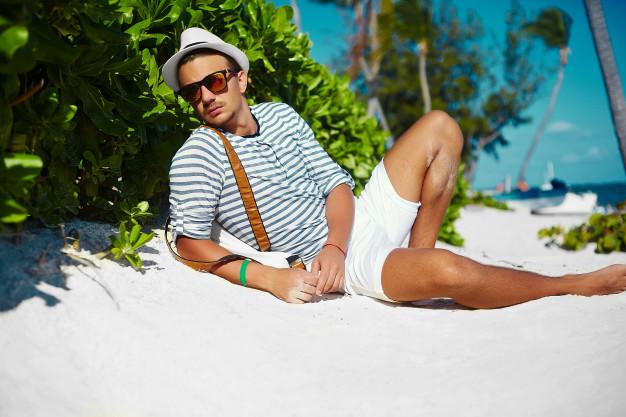 Como usar Bermuda Branca Masculina: Confira 3 Dicas de Looks